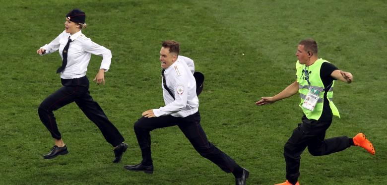 闯世界杯决赛球迷被判入狱15天 3年内远离体育活动