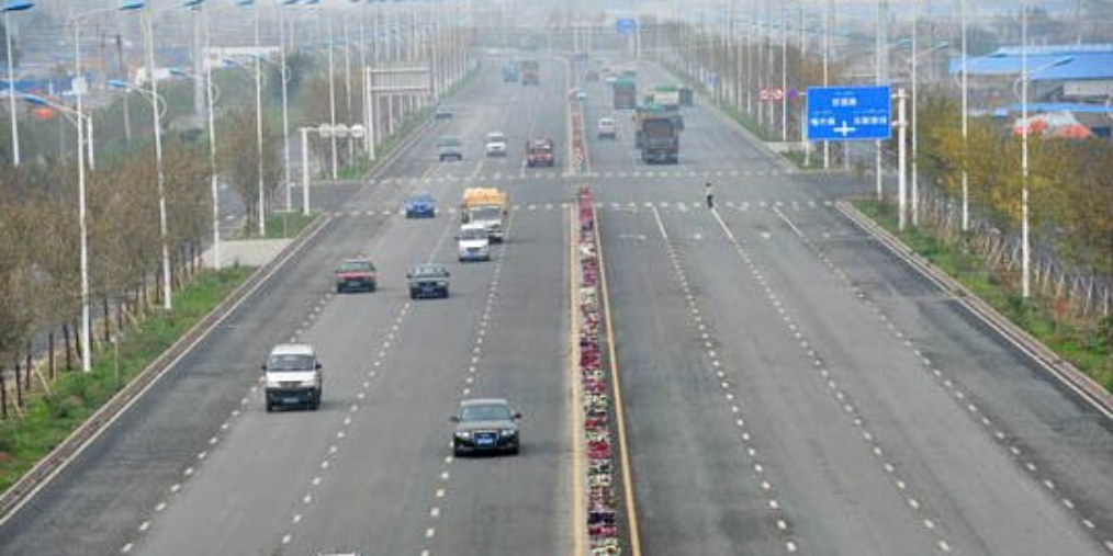 乌鲁木齐天山区6条断头路进入道路建设