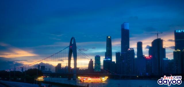 黄昏的广州 醉人的晚霞
