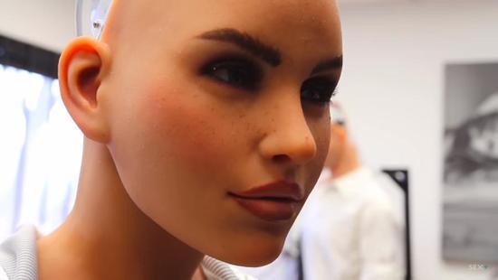 AI让人失业事小,成人机器人破坏力或大得多
