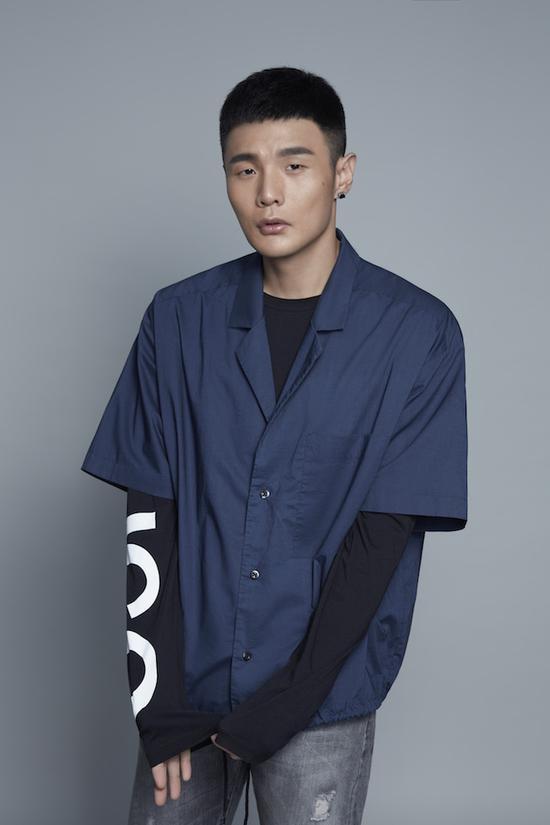 李荣浩推新专二部曲《年少有为》