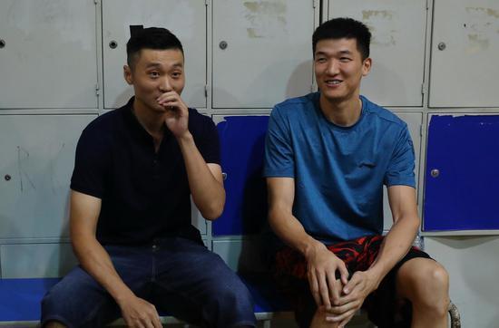 采访环节带上了小弟蔡亮