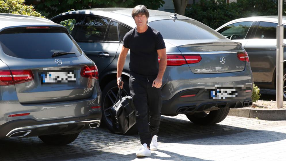 勒夫抵达德国足协总部:开2天长会 分析世界杯败因