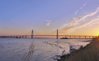 一座桥 一座城市的风景 一个时代的起点