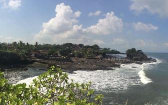 中国|印尼发布海浪预警 中国领馆提醒中国游客注意安全
