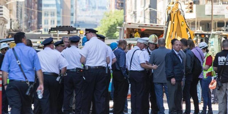 纽约熨斗大厦街区一蒸汽管线爆炸致5人受伤