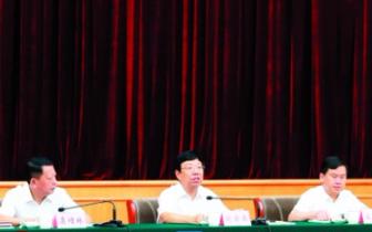 赵乐秦强调聚焦重点发力走桂林特色乡村振兴之路
