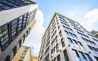 重庆18个房地产项目 被暂停网签、预售