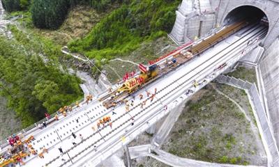 新高铁近期动工四川将打造现代综合交通运输体系