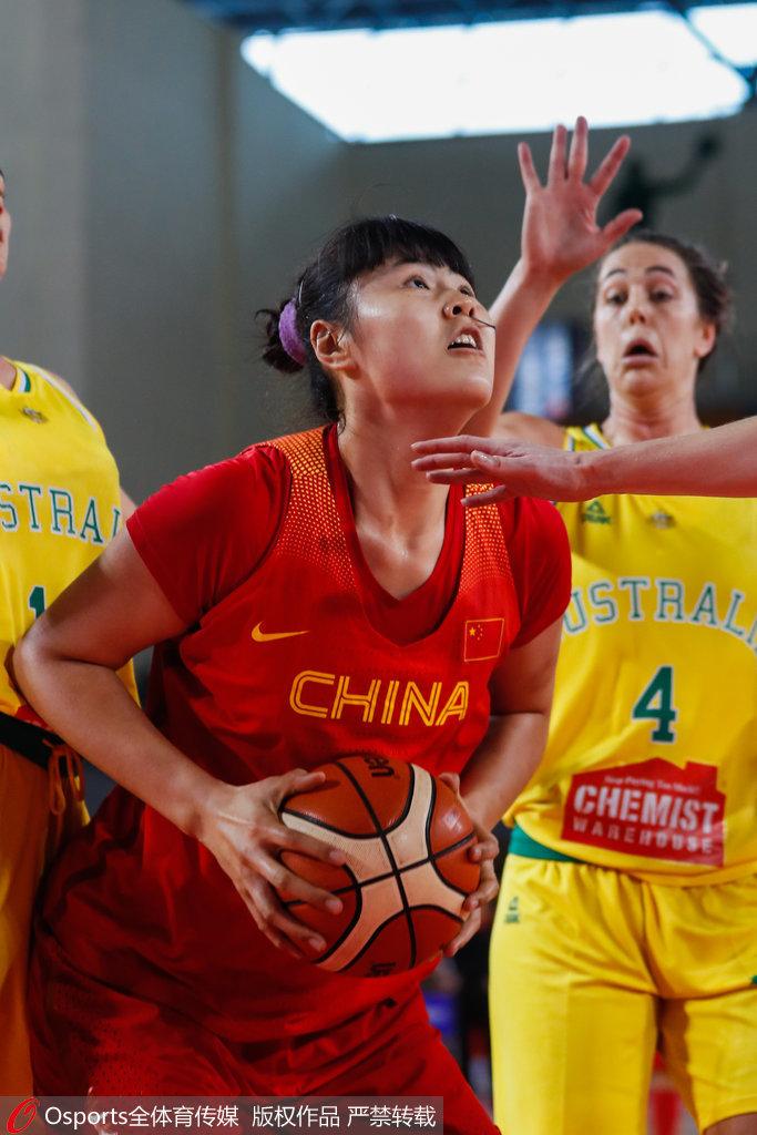 热身赛-中国女篮26分复仇澳大利亚 李月汝13+11