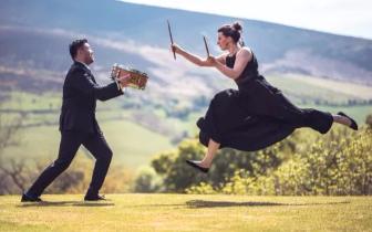音乐才能十足的英国极光打击乐来唐山啦