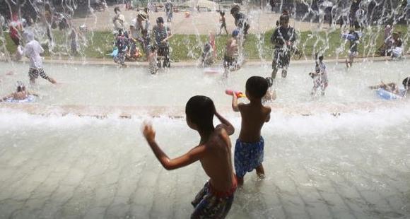 日本高温一周内致12人死亡 万人送医