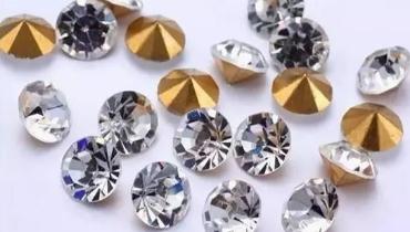 """玻璃系珠宝造假界""""毒瘤"""" 哪些珠宝中过招"""