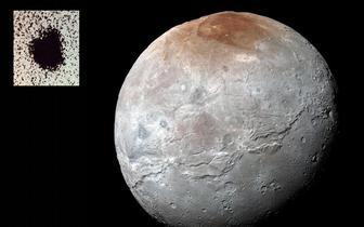 外媒天文图片精选:卡戎北极的魔多暗斑
