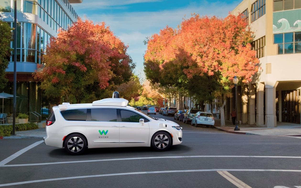 Waymo已完成800万英里测试 CEO称自动驾驶还很远