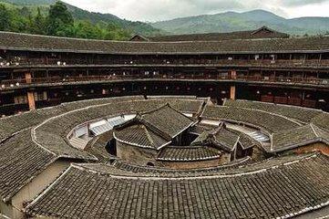 """百名粤港澳青年""""聚惠"""" 体验客家文化"""