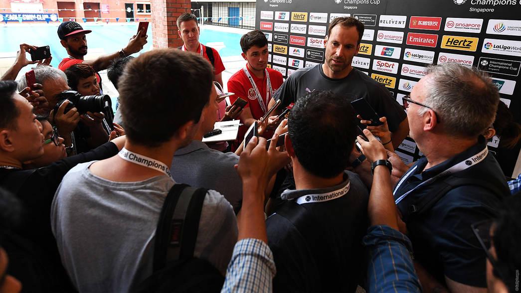 切赫:厄齐尔是我们的关键球员 我们尊重他的决定