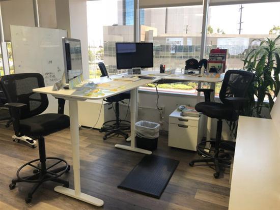1.8米办公桌组装步骤图