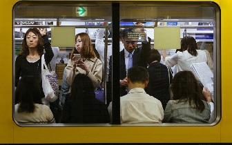 不会再有开往孤独的地铁
