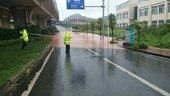 德阳遭遇暴雨袭击多处路段积水较深