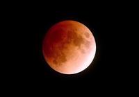 """""""火星大冲""""邂逅""""超长""""月全食 上演""""红色""""星月夜"""