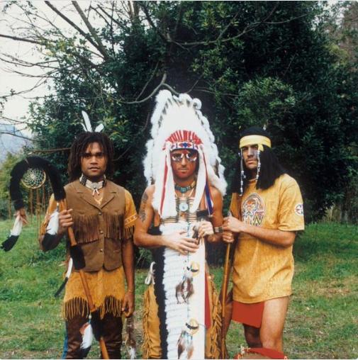 曼奇尼(中)与贝隆曾和卡伦布共同效力过桑普多利亚