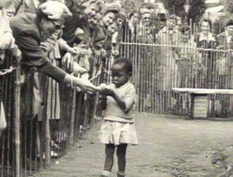 1931年法国殖民博览会上被当做展览品的孩子