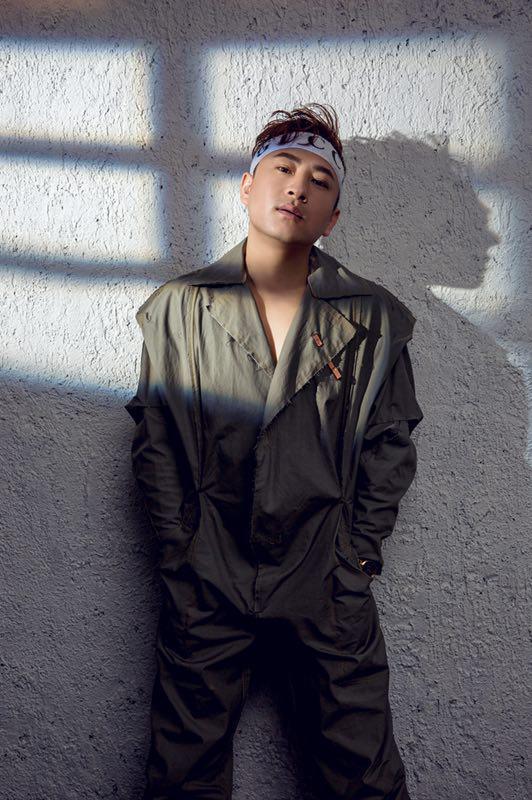 李煜单曲《不想随波逐流》被歌迷纷纷传唱 走心走肾