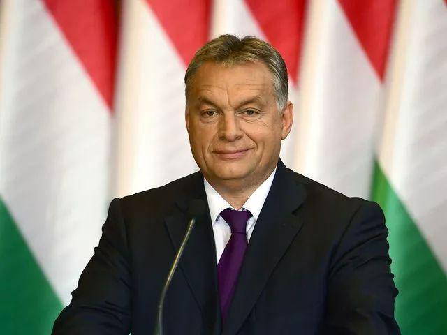 """匈牙利总理指责德法领导人 被批想分裂""""德法轴心"""""""
