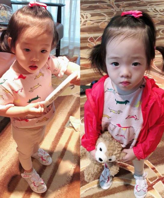 杨云晒双胞胎女儿照片 姐妹俩越长越像傻傻分不清