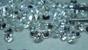 锆石和钻石可以一眼看出来吗?