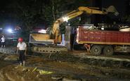 人歇工不歇 果城路改造挑灯夜战快速推进