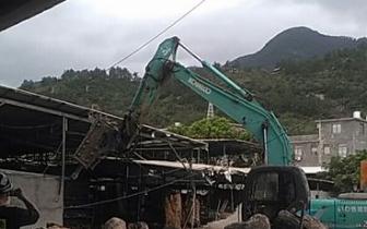 闽侯上街强制拆除2座违建 拆违面积达1800平方米