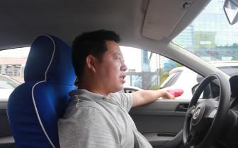 """正能量!遂宁的哥为还乘客3万元""""车费""""都急得报警了"""