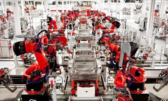 为产能拼了 特斯拉抽调工人支援加州工厂组装Model 3
