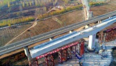 莲池大街跨京广铁路桥年底建成通车