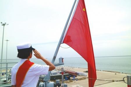 95后女孩辽宁舰上当信号兵:最初常常在上面迷路
