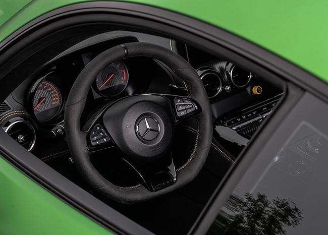 阿法特巴赫狂想曲 试驾梅赛德斯AMG GT R