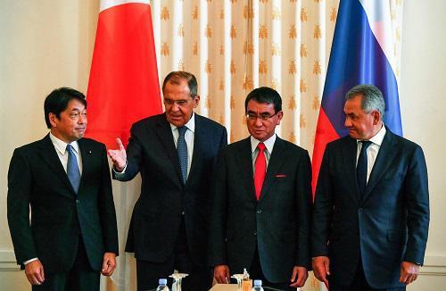"""外媒:日俄""""2+2""""会谈无果而终 双方仍互不信任"""