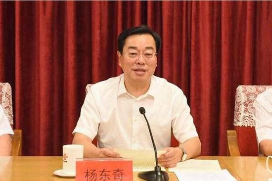 中共中央批准杨东奇任山东省委副书记