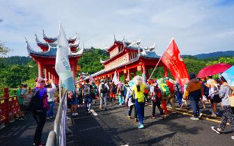琼中迎来暑假旅游高峰 2-6月入境游增长率全省第一