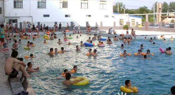 你常去的游泳馆卫生吗?荆州联合检查6家游泳场所