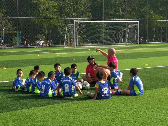 清华教授谈取消体育特长生:通行世界的语言是体育 不是特长生