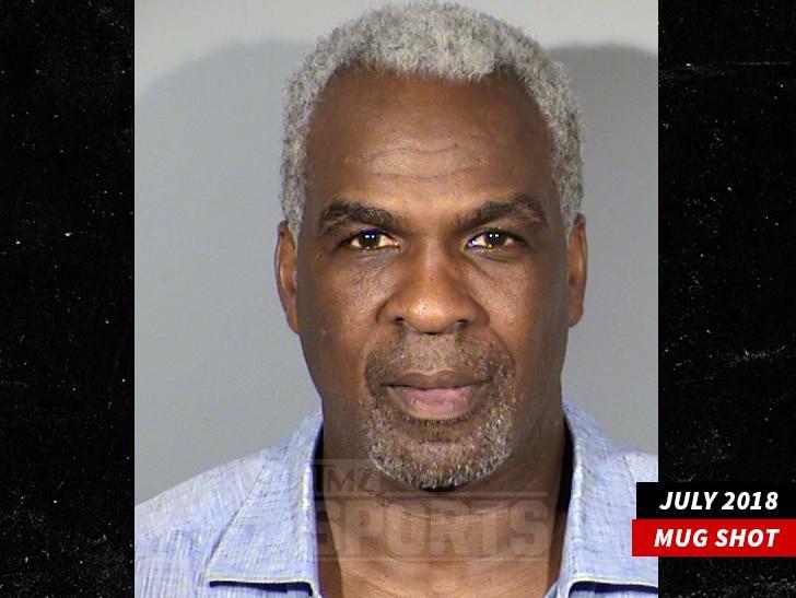 奥克利赌场作弊遭逮捕 出老千如此低级也是醉了