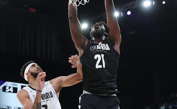 NBA非洲赛世界队险胜 安东尼现身
