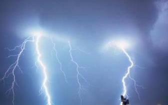 雷阵雨 唐山:明日雷雨来袭!最高气温32℃!