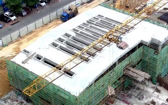 商务板块停车场项目主体顺利封顶 预计国庆节投入使用