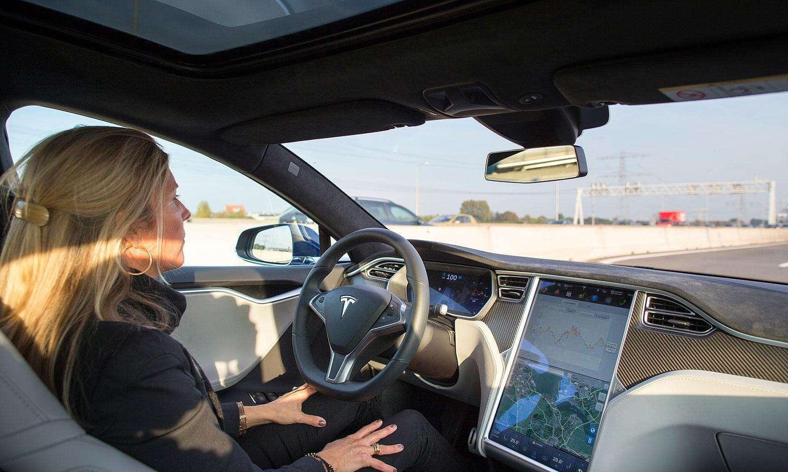特斯拉自研自动驾驶芯片 用于Model 3等车型