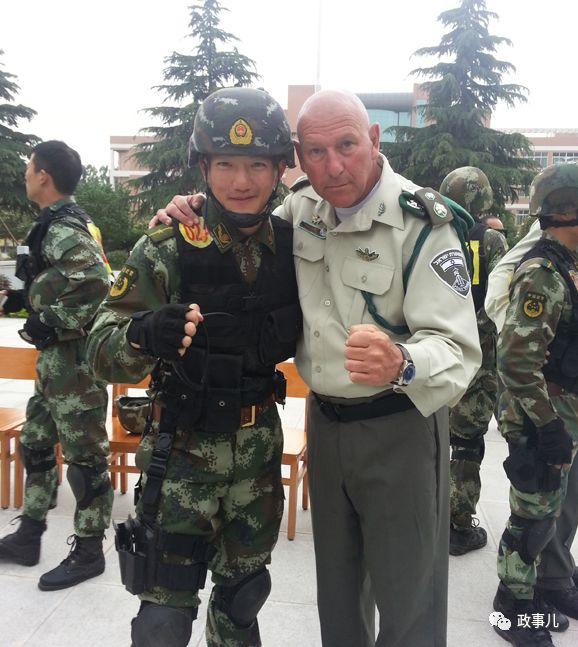 与女星结婚的上尉:系军三代 参加多次反恐演习