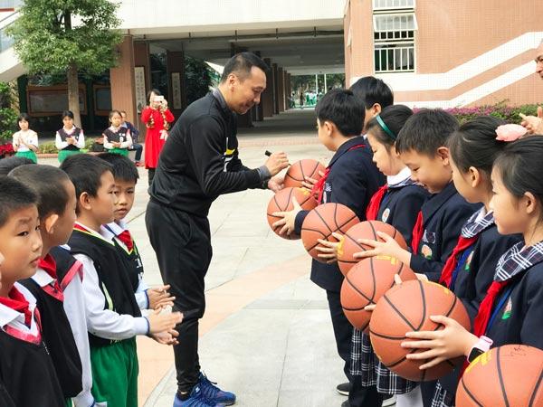 李群:篮球培训应系统化规范化 市场呼唤高水平